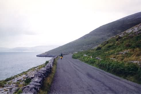 Am schwarzen Kopf des Burren