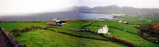 Ballydonegan Bay von der anderen Seite (Blick nach Norden)