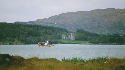 Dunboy Castle (hier von Bere Island gesehen)