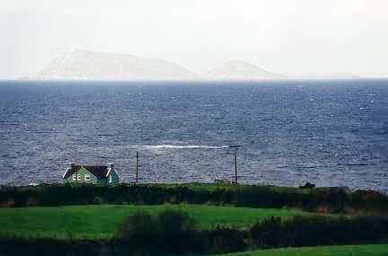 So super, dass man sogar die Insel weit draußen sieht, bei der es sich wahrscheinlich um Scariff Island handelt.