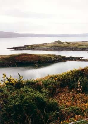 Reste von englischen Verteidigungsanlagen auf Bere Island