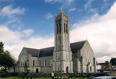Kirche am westlichen Ortsrand