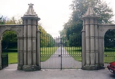 Tor zum Portumna Castle