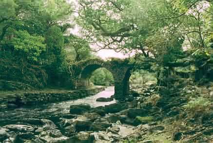 Old Weir Bridge von unten