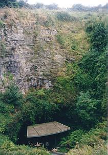 Abstieg zur Höhle