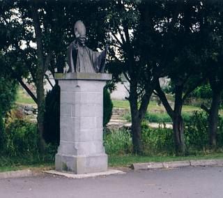 Statue von Papst Johannes Paul II.