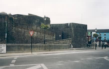 Athlone Castle (auch King John's Castle)