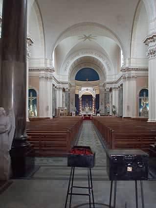 St Peter and Paul von innen