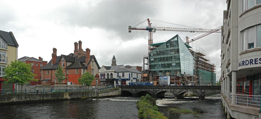 Brücke über den Garvoge River im Stadtzentrum von Sligo